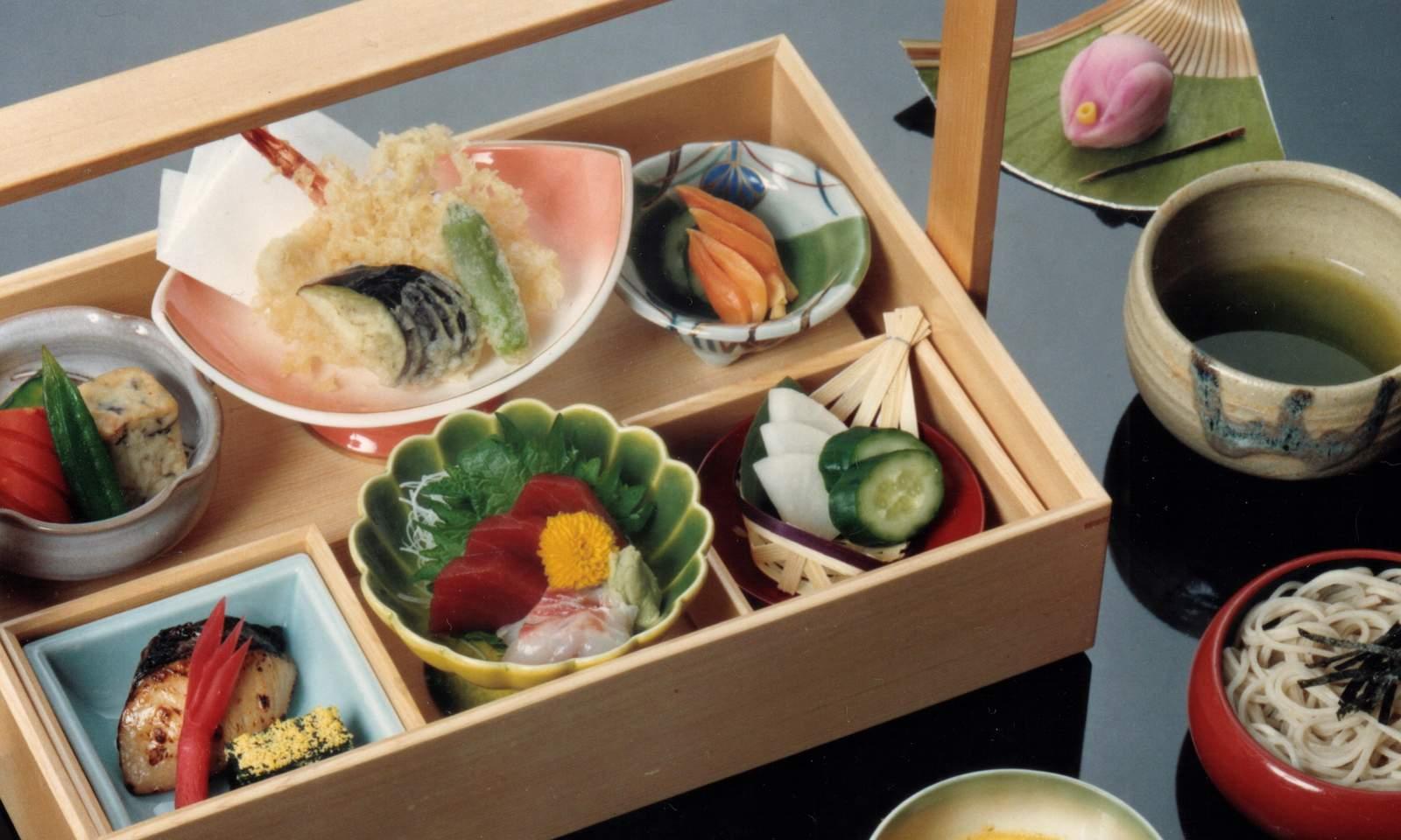 日本料理 松栄